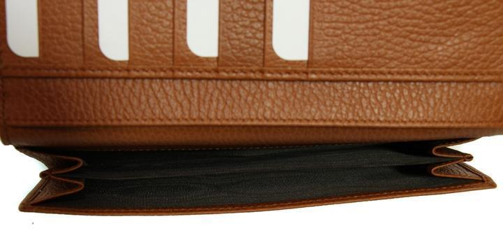low cost 663ea f6a00 Gucci Saffron Leather Continental Flap Wallet
