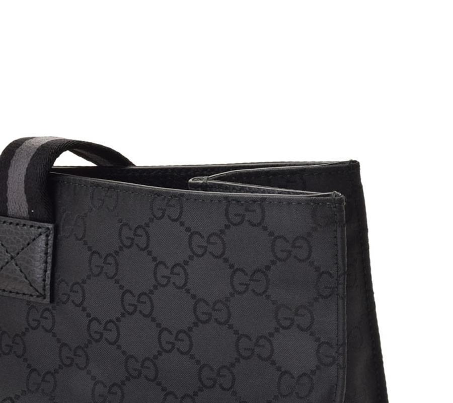 42fe06ef939 queenbeeofbeverlyhills-gucci-unisex-black-gg-canvas-tote-bag-